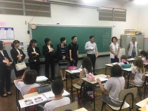 Comitiva de Kakogawa visita o Colégio.