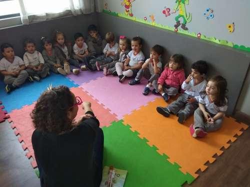 Sala de leitura promove dia de contação de histórias